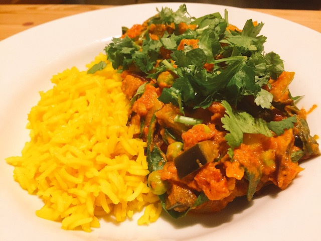 Potato aubergine pea curry